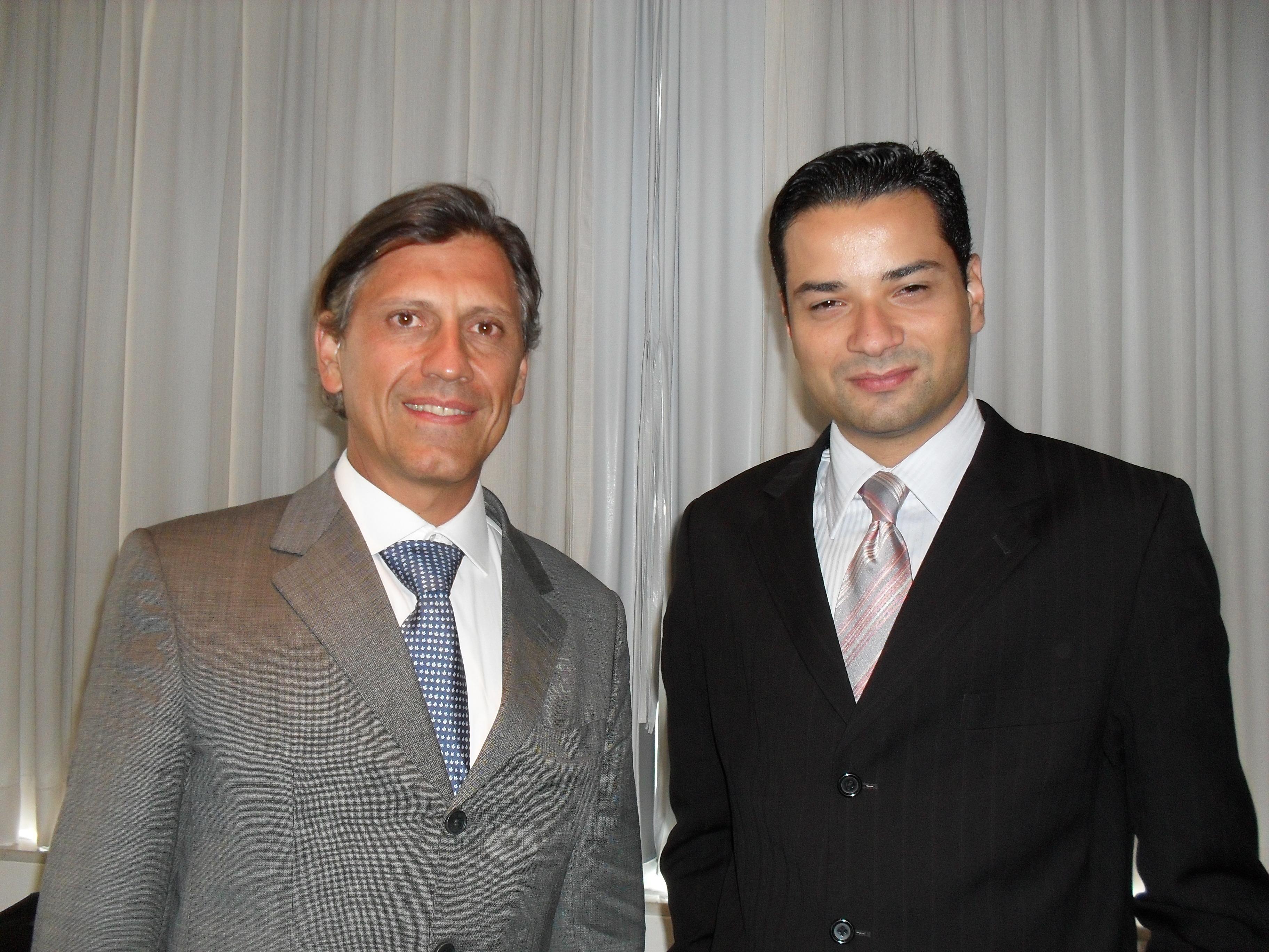 Amilcar Vianna, presidente do Clube dos Corretores do Rio de Janeiro (E) com o subscritor de E&O da ACE Seguradora, Luiz Antonio Oliveira