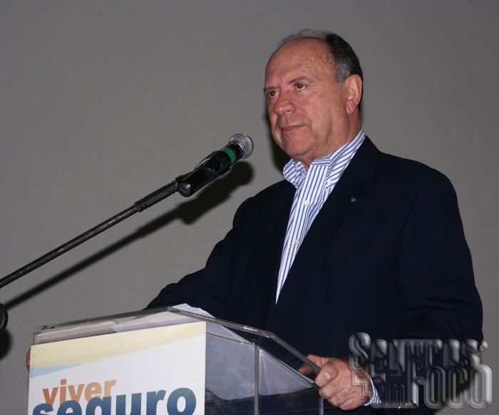 João Elisio Ferraz de Campos